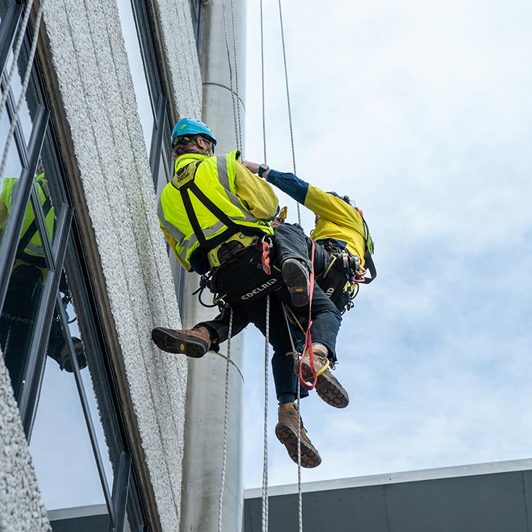 Custom rope rescue course